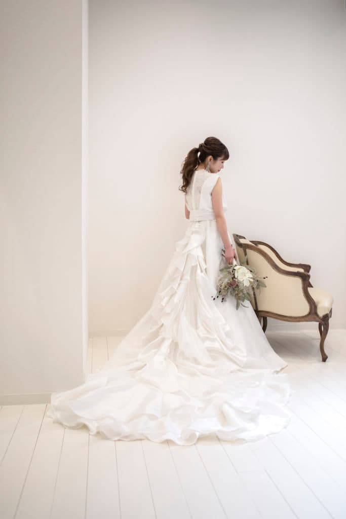Aラインのウェディングドレスの魅力。バックスタイル